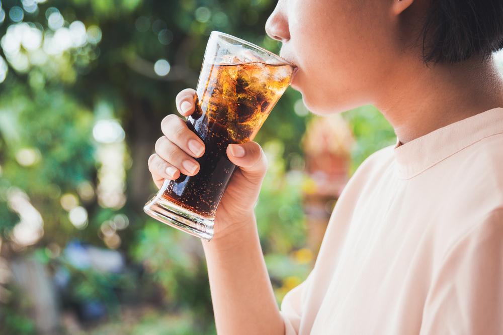 Suka minuman bersoda? KURANGI MULAI SEKARANG!! 6 PENYAKIT SERIUS MENGHANTUI ANDA!